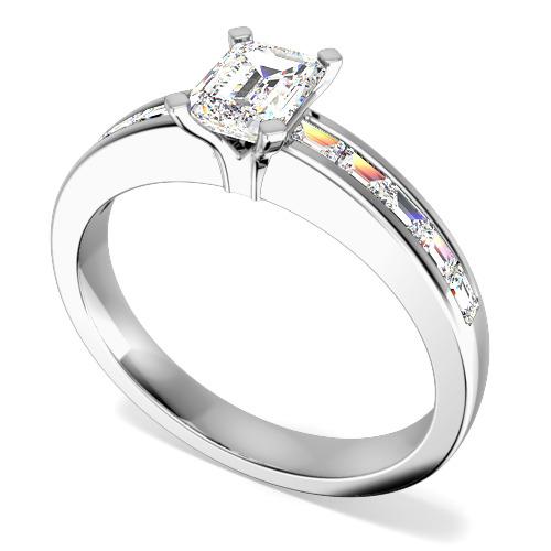 Inel de Logodna Solitaire cu Diamante Mici pe Lateral Dama Aur Alb 18kt cu un Diamant Taietura Smarald si Diamante Bagheta pe Margini