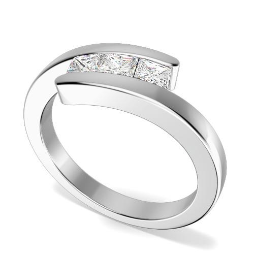 Inel de Logodna cu 3 Diamante Dama Aur Alb 18kt cu 3 Diamante Princess in Setare Canal