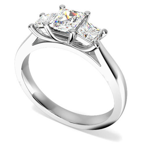 Inel de logodna/Inel cu 3 Diamante Dama Aur Alb 18kt cu un Diamant Forma Smarald si 2 Diamante Princess in Setare Gheare
