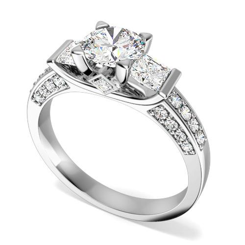 Inel de Logodna cu 3 Diamante Dama Aur Alb 18kt cu un Diamant Central Rotund Briliant, Diamante Princess pe Lateral si Diamante Mici Rotund Briliant pe Margini