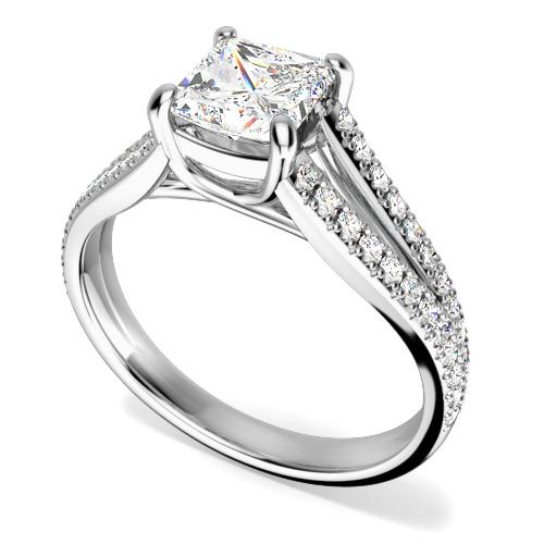 Inel de Logodna Solitaire cu Diamante Mici pe Lateral Dama Aur Alb 18kt cu un Diamant Princess in Centru si Diamante Mici Rotund Briliant pe Lateral