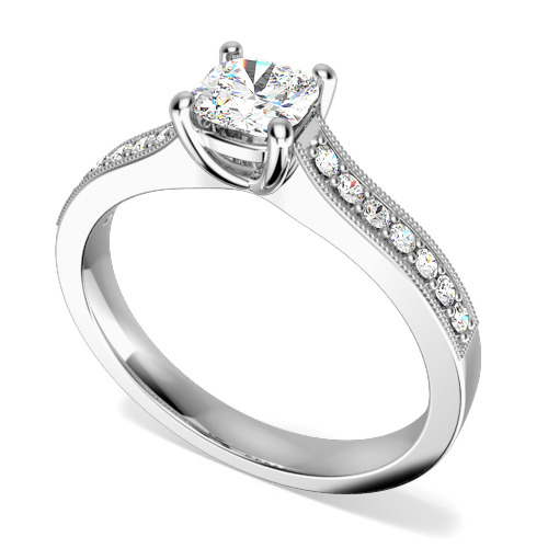 Inel de Logodna Solitaire cu Diamante Mici pe Lateral Dama Aur Alb 18kt cu Diamant Cushion in Centru si 7 Diamante Mici Rotunde pe Lateral in Setare Gheare