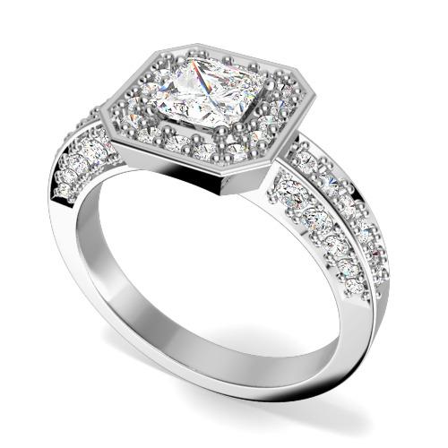Inel de Logodna cu Diamante Dama Aur Alb 18kt cu Diamant Central Princess si Diamante Mici Rotund Briliant pe Margini in Setare Gheare