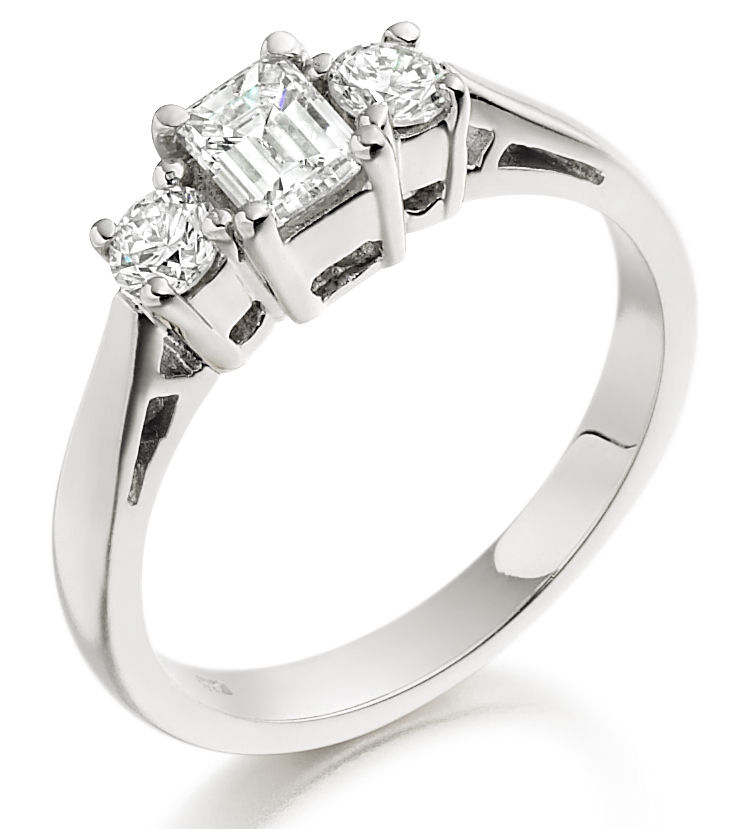 Three Stone Ring/Engagement Ring for women in 18ct white gold with an emerald cut and two round diamonds-img1