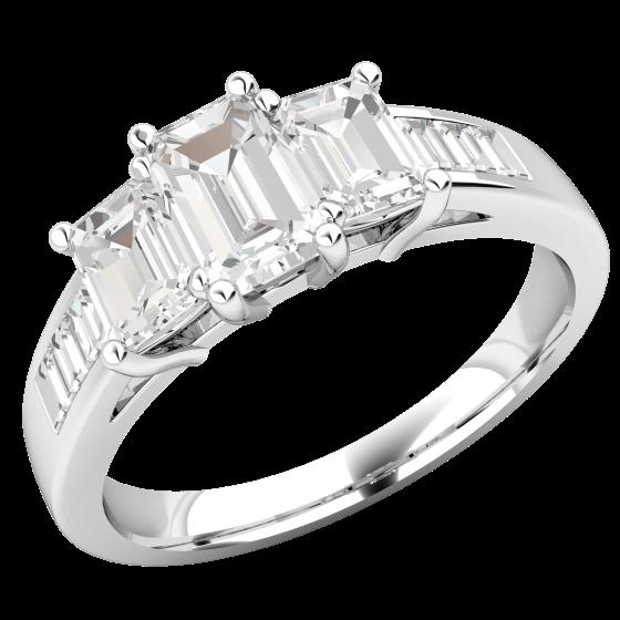 Drei-Steine Verlobungsring mit Schultern für Dame in Platin mit 3 Smaragd Schliff Diamanten und Baguette Schliff Schulter-Diamanten in Kanalfassung-img1