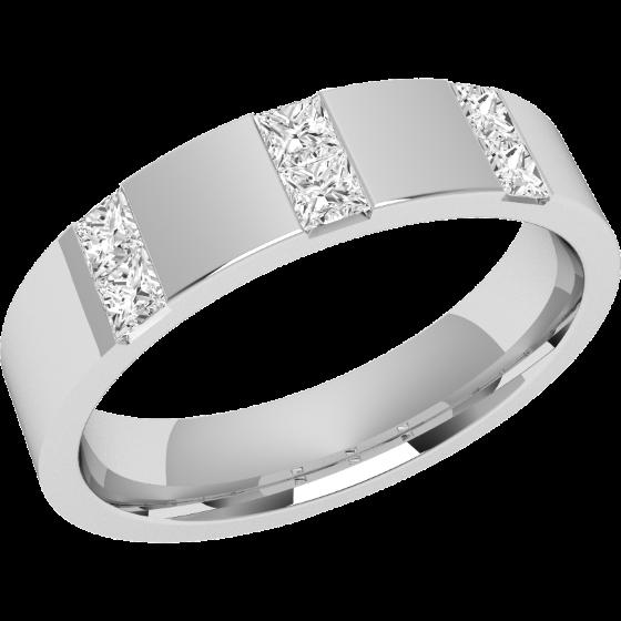 Ehering mit Diamanten für Dame in 18kt Weißgold mit 6 Princess Diamanten in Kanalfassung, außen flach/innen bombiert, Breite 4.5mm-img1