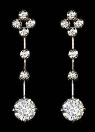 Cercei Lungi Dama Aur Alb 18kt cu 14 Diamante Rotund Briliant Setate in Gheare-img1