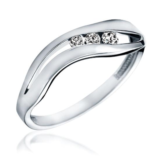 Inel de Logodna cu 3 Diamante Dama Aur Alb 14kt cu 3 Diamante Rotunde Asezate Intr-un Decupaj-img1
