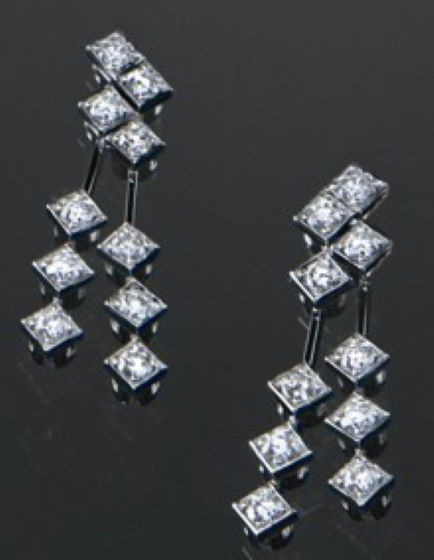 Cercei Aur Alb 18kt cu 20 Diamante Rotund Briliant in Setare Gheare-img1