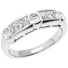 RD260W - 18kt Weissgold Ring mit Princess & runden Diamanten