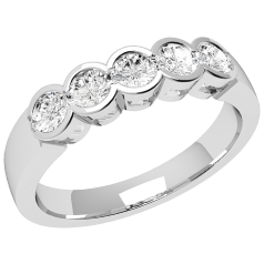 RD278/9W - 9ct white gold ring with 5 round brilliant cut diamonds