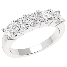 RD310W - 18ct white gold ring with 5 princess cut diamonds in a claw setting