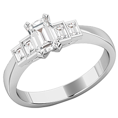 Verlobungsring mit Diamanten für Dame in Platin mit einem Smaragd Schliff Diamanten in der Mitte und vier Baguette Schliff Diamanten
