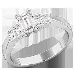 Inel de Logodna cu Mai Multe Diamante/Inel cu 5 Diamante Dama Aur Alb 18kt cu Diamant Central Taietura Smarald si Diamante Forma Bagheta pe Margini