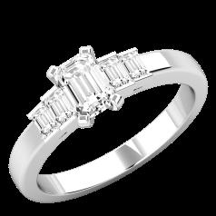 Diamantenring für Dame in Platin mit einem Smaragd Schliff Diamanten und vier Baguette Schliff Diamanten