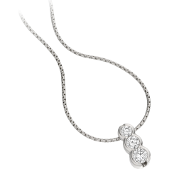 Pandantiv cu Mai Multe Diamante Aur Alb 18kt cu 3 Diamante Rotund Briliant in Setare Rub-Over si Lantisor de 45cm