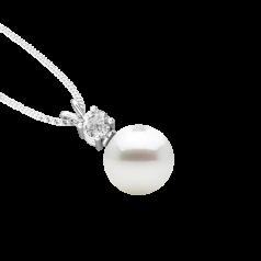 RDPW111W-Pandantiv cu Perla si Diamante din Aur Alb 18kt cu Perla Alba de 9mm si Diamante Rotunde Briliant