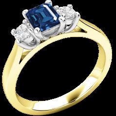 RDS389YW - 18kt Gelb- und Weissgold Ring mit einem Smaragd-Schliff Saphir in der Mitte, mit runden Brillant Schliff Diamanten auf beiden Seiten