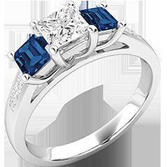 RDSS111W-Inel cu Diamant si Safir Dama Aur Alb 18kt cu un Diamant Taietura Princess in Mijloc si Safir Taiat Patrat pe Fiecsre Parte