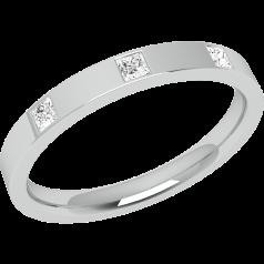 RDW004PL - Platin 2.5mm außen flach/ innen bombiert Damen Ehering mit 3 Princess Schliff Diamanten in Zargenfassung