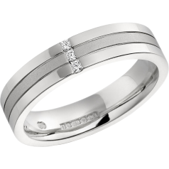 Diamond Set Wedding Ring for Women in 9ct White Gold with 3 Round Brilliant Cut Diamonds in a Channel Setting, Flat Top/Courted Inside, Width 4.5mm