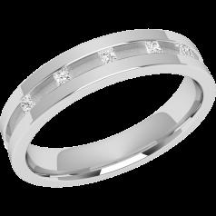RDW045PL - Platin 4.0mm oben flach/ innen bombiert Damen Ehering mit 5 Princess Schliff Diamanten in Kanalfassung