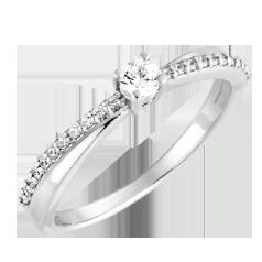 Inel de Logodna Solitaire cu Diamante Mici pe Lateral Dama Aur Alb 14kt cu Diamant Central Rotund si Diamante Rotunde pe Lateral