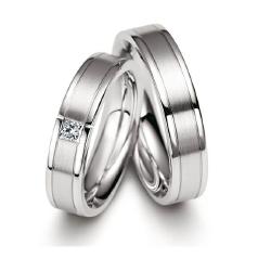 Set de Verighete Aur Alb 14kt cu un Diamant Taietura Princess, Profil Plat si Interior Rotunjit
