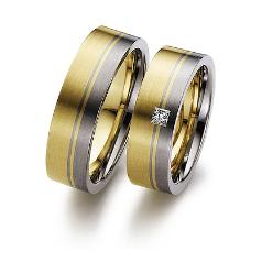 Set de Verighete din Aur Galben si Aur Alb de 14kt cu un Diamant Princess, Profil Plat Interior Rotunjit